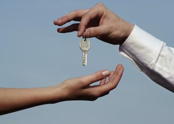 Способы проверки юридической чистоты сделки при покупке жилья