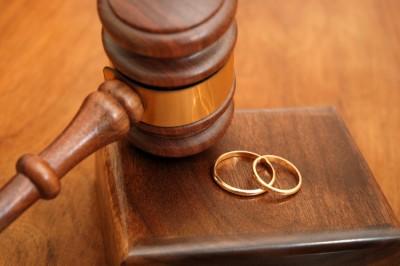 Брачный договор или брачный контракт — Как не остаться без гроша при разводе?